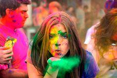 Lunes tarde, empieza la semana y una nueva serie de posts! Fiesta del color Holi, una celebración diferente - http://go.shr.lc/1qiVFWK