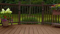 Fiberon Horizon Composite Railing is a low maintenance composite with a permanent surface finish to withstand the outdoor elements. Rich color options to complement all decking.
