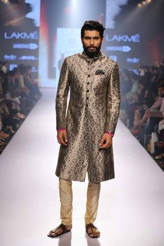 19_IMM_Indian_Male_Models_Lakme_FashionWeek_RAGHAVENDRA_RATHORE