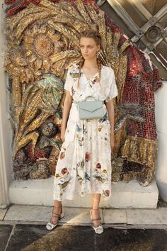 Alena Akhmadullina Spring 2018 Ready-to-Wear Fashion Show Collection: See the complete Alena Akhmadullina Spring 2018 Ready-to-Wear collection. Look 6 Fashion 2018, Spring Fashion, Fashion Trends, Moda Kimono, Nyc, Spring Looks, Fashion Show Collection, Kimono Fashion, Fashion Dresses