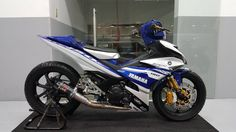 Scooter Custom, Custom Bikes, Disney Cars Games, Love Trailer, Yamaha Scooter, Motorcycle Engine, Moto Bike, Racing Motorcycles, Armada
