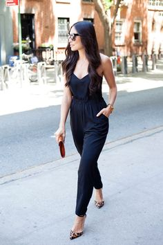 Jumpsuits are comfy, chic & perfect for exploring the city on a sunny Saturday!