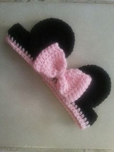Crochet Minnie Mouse Ears I so need to make these for Ruby.  Don't you think so @Katie Crump