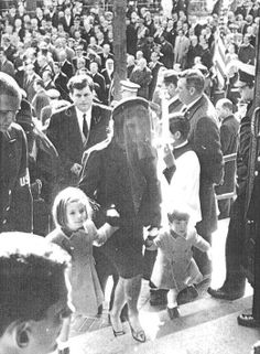 """kennedys-obsession: """""""" Jackie Kennedy with children Caroline and John Jr. arrive at JFK's funeral, November """" """" Jfk And Jackie Kennedy, Jaqueline Kennedy, Los Kennedy, Jfk Funeral, Die Kennedys, Familia Kennedy, Kennedy Assassination, John Junior, Jfk Jr"""