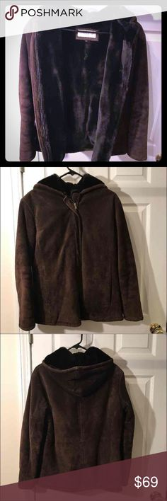 Jones New York coat, Size S Jones New York brown suede 100% leather, inside acrylic 100% 2 outside pockets, zip up, hood. Super, super comfy! Size S. Honestly I think I wore it maybe once. Jones New York Jackets & Coats