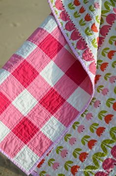 you glad the weekend is almost here? I made this quilt earlier this Spring for a friend who had a bab.Are you glad the weekend is almost here? I made this quilt earlier this Spring for a friend who had a bab. Gingham Quilt, Pink Quilts, Baby Girl Quilts, Girls Quilts, Quilt Baby, Small Quilts, Easy Quilts, Amish Quilts, Picnic Quilt