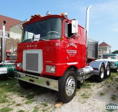 Mack FS700L. Antique Trucks, Vintage Trucks, Mack Trucks, Semi Trucks, Cool Trucks, Big Trucks, Classic Trucks, Classic Cars, Mack Attack