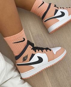 nike socks with air force ones outfit Jordan Shoes Girls, Girls Shoes, Nike Shoes For Women, All Nike Shoes, Vans Women, Running Shoes, Souliers Nike, Zapatillas Nike Jordan, Cute Sneakers
