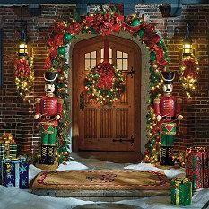 Outdoor Christmas Trees - Outdoor Christmas Décor