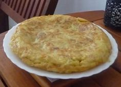 Spanish Tortilla Omelette easy recipes How to cook Tortilla Spanish omelettes including a Moroccan style version Easy Recipes, Easy Meals, Spanish Omelette, Omelettes, Moroccan Style, Spanish Style, Breakfast Ideas, Food And Drink, Cooking