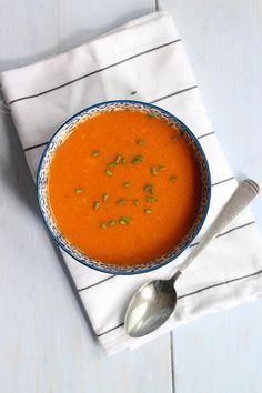 Sweet potato soup with paprika - Lekker en Simpel - # potato soup . Sweet Patato, Healthy Soup, Healthy Recipes, Healthy Foods, Feel Good Food, Sweet Potato Soup, English Food, Homemade Soup, Soul Food