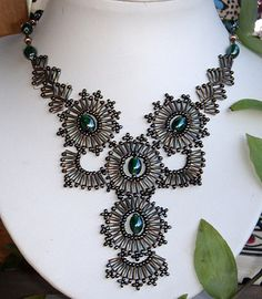Free Bugle Bead Necklace Pattern featured in Bead-Patterns.com Newsletter!