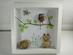 DIY Bild aus Steinen: Eule, Frosch, Schnecke und Vogel
