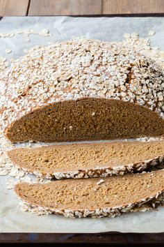 Super delicious Thermomix Rye and Oat bread made with ale. Super tasty recipe for bread. How To Make Dough, How To Make Bread, Thermomix Bread, Piece Of Bread, Orange Recipes, Artisan Bread, Perfect Food, Brownie Recipes, Rye