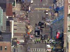 Imagem aérea mostra o cenário de destruição causado pelas explosões que atingiram a região após o término da maratona de Boston, nos Estados Unidos. O incidente deixou mortos e diversos feridos. Equipes de resgatem trabalham no local