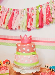 Lalaloopsy Birthday party! LOVE the fabric scrap banner!!!