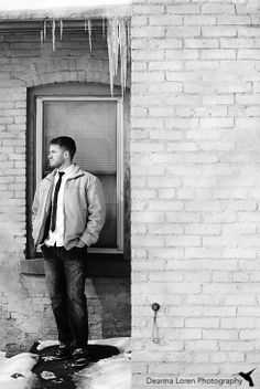 Outdoor winter pictures in the city   Pose ideas for guys - senior pictures, weddings, portraits   Deanna Loren Photography