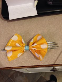 Fork with bow