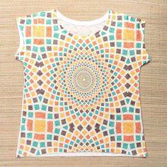 Camisetas fresquinhas estampas étnicas e simbólicas.  Na foto mandala semente geométrica. Por apenas R$ 3990  Saiba mais e conheça todas as estampas pelo nosso Whatsapp: 13982166299