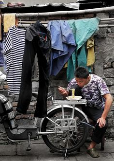 Meals on Wheels, Shanghai SHARE YOUR TRAVEL EXPERIENCE ON www.thetripmill.com! Be a #tripmiller!