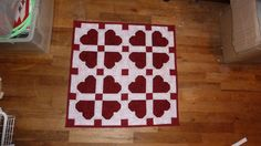 Be My Valentine Table Mat   Quilted and Finished by Quiltbuilders