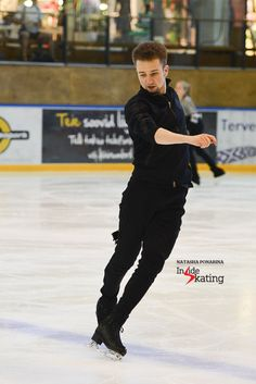 ...and then there's this: Misha Ge showing off his craftsmanship.