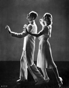 Fred Astaire and Eleanor Powell - in costume for dancing 'Begin The Beguine' in Broadway Melody of 1940 - one of the best all time tap dance duos done on film Golden Age Of Hollywood, Hollywood Stars, Classic Hollywood, Old Hollywood, Hollywood Glamour, Fred Astaire, Tap Dance, Just Dance, Broadway