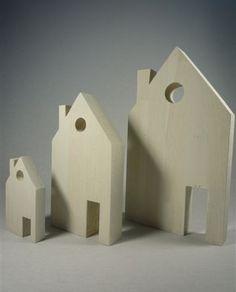 Houten huisjes van massief eiken, white wash look. Strakke decoratie. Zie onze webshop.