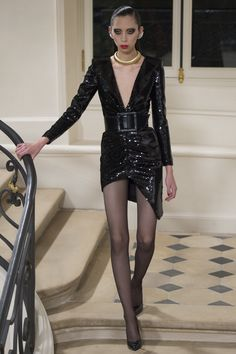 Saint Laurent Fall 2016 Ready-to-Wear Fashion Show - Issa Lish (PREMIUM)