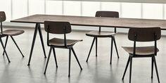 Koninklijke Ahrend en HAY geven de 'schoolstoel' een mega comeback | ELLE Decoration NL