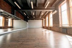Interior of an empty dance studio Hip Hop Dance Studio, Dance Studio Design, Dream Studio, Studio Room, Tanzstudio Design, House Design, Home Ballet Studio, Ballet Room, 1million Dance Studio