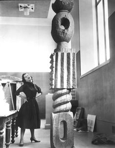 """philamuseum: """" Brancusi's """"King of Kings"""" sculpture in """"Things are not difficult to make; what is difficult is putting ourselves in the state of mind to make them.""""—Constantin Brancusi See more Brancusi. Brancusi Sculpture, Art Sculpture, Modern Sculpture, Photo Sculpture, Tachisme, Artist Art, Artist At Work, Constantin Brancusi, Art Antique"""