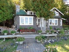 Lakefront cottage in the beautiful Les Cheneaux Islands of Michigan's Upper Peninsula, 35 minutes east of the Mackinac Bridge along the northern shore of Lake Huron. Cottage sleeps 7, with two good sized bedrooms ...