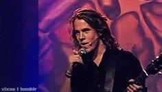 vixxe:  Bård in Ylvis III appreciation post (Part I)  solsikke all day everyday <3