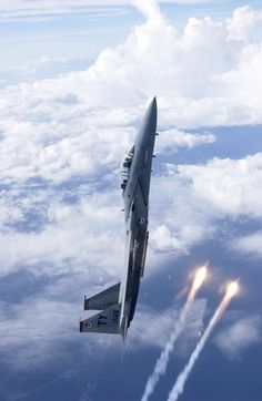 An F-15D Eagle of the 325th Fighter Wing, based in Tyndall AFB, climbing…