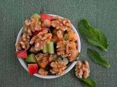 10 Gluten-Free Portable Lunches: Summer Zucchini and Fruit Salad with Walnuts #glutenfree
