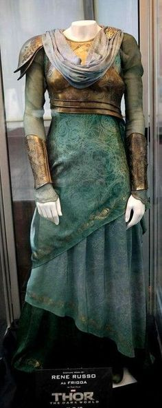 Frigga's (Rene Russo) Blue armor… Thor The Dark World Costume by Wendy Partridge. Medieval Dress, Medieval Clothing, Renaissance Dresses, Medieval Fantasy, Badass, Fantasy Costumes, Fantasy Dress, Movie Costumes, Ballet Costumes