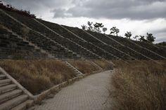 """Les sites olympiques se cachent pour mourir OU """" On """" Et l'écologie, B... ?"""" ?/ Photo by Yorgos Karahalis, Via Reuters."""