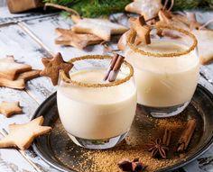 Christmas cocktail: simple recipe with eggnog, milk & cinnamon – recipes – bildderfrau.de Christmas cocktail: simple recipe with eggnog, milk & cinnamon – recipes – bildderfrau. Ponche Navideno, Masterchef, Eggnog Recipe, Cinnamon Recipes, Christmas Cocktails, Vegetable Drinks, Cocktail Recipes, Rum Cocktails, Eggnog Cocktail