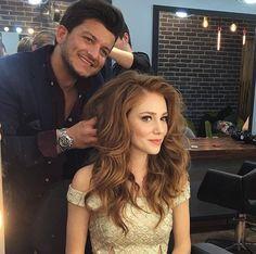 Elcin sangu Prettiest Actresses, Beautiful Actresses, Cara Delevingne Hair, Photos Des Stars, Kylie Jenner, Elcin Sangu, Trending Photos, Hair Game, Turkish Beauty