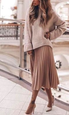 35 stunning 2019 fashion trends  #dailyfeedpins.com #fashiontrend #trendyfashion #WomenFashion #WomenOutfits Latest Fashion For Women, Trendy Fashion, Winter Fashion, Fashion Trends, Womens Fashion, Skirt Fashion, Fashion Outfits, Midi Skirt, Clothes For Women