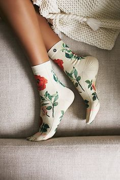 Flowers Garden Party Crew Sock at Free People Clothing Boutique Cute Socks, My Socks, Happy Socks, Funny Socks, Socks Outfit, Mode Rose, Crazy Socks, Hot Lingerie, Fashion Socks