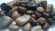 Natural Black Decorative Polished Stones Pebbles ideal for Fish Tank Plant Pots Craft