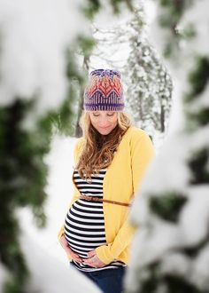 Snowy maternity session. Jennifer Morrow Photography.