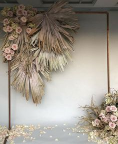 dried flowers make this neutral colored floral decoration, which is perfect for a wedding Backdrop 2018 Decoration Hugweddingplanner Flowers Wedding in Thailand A marvelous and abundant Thursday to you all! Nothing more satisfying A mix of dried and Ceremony Backdrop, Ceremony Decorations, Wedding Ceremony, Wedding Receptions, Wedding Arches, Wedding Scene, Table Wedding, Church Wedding, Wedding Backdrops