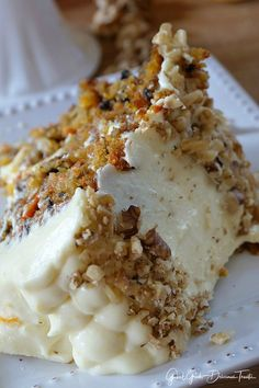 Pinning this for the orange cream cheese frosting! Carrot Cake with Orange Cream Cheese Frosting is the best carrot cake recipe and is super moist and delicoius. Moist Carrot Cakes, Best Carrot Cake, Orange Carrot Cake Recipe, Just Desserts, Delicious Desserts, Yummy Food, Vegan Desserts, Salty Cake, Cream Cheese Frosting