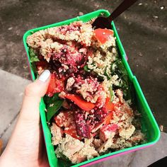 Nail deGrasse Tyson has packed herself an amazing cosmic-worthy InstaPretty lunch about to be launched into the stratosphere of health bloggers' feeds everywhere.  Anamazingly simple recipe and so delicious and macro/micro-friendly too. Beetroot quinoa salad with a dash of olive oil and coriander = simple cheap and effective way of thriving and fuelling on busy days. Especially on emotional days LIKE MY LAST DAY AT KING'S COLLEGE LONDON  Gonna comfort eat on spinach and pepper brb. by…