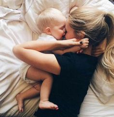 Image via We Heart It https://weheartit.com/entry/163926916 #baby #bed #blonde #cuddle #cute #daughter #goals #mother