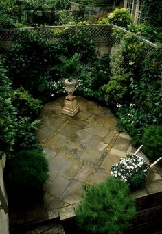 A little or small courtyard garden doesn't have to be boring and featureless. You might not have the space for it but you always have the option to incorporate the style in your garden. Much like a…MoreMore  #GardeningDesign