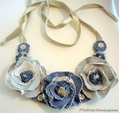 30 amazing crafts from old jeans - DIY Schmuck Jean Crafts, Denim Crafts, Art Crafts, Fabric Necklace, Diy Necklace, Charm Necklaces, Statement Necklaces, Flower Necklace, Pendant Necklace